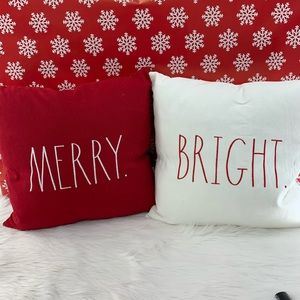💫 Rae Dunn Merry and Bright Pillows